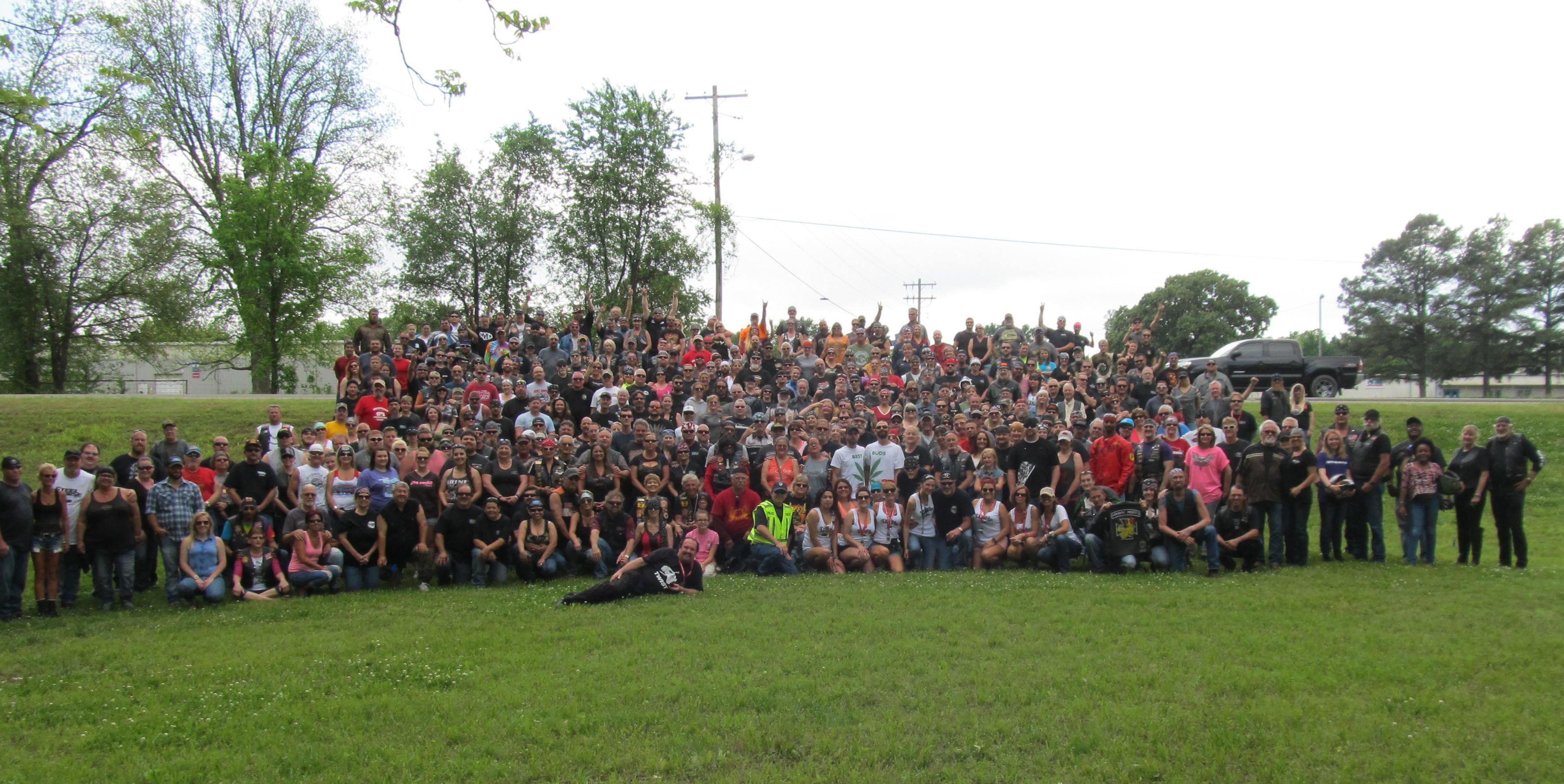 Thunder Through the Valley Motorcycle Parade Group Photo